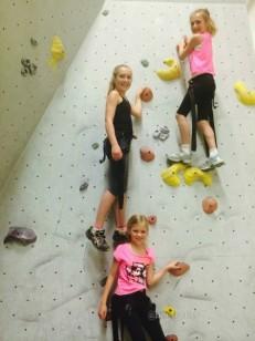 active_kids_climbing-imp