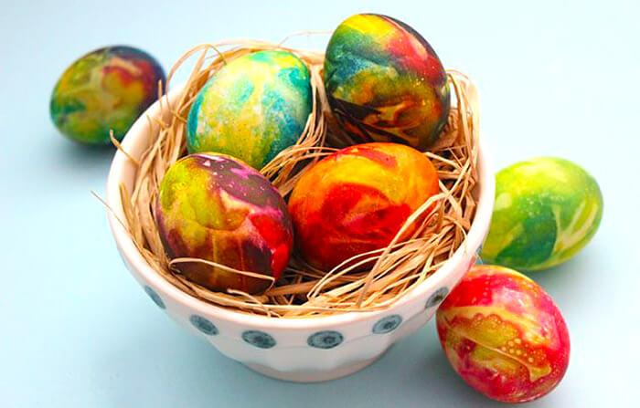 tie-die-eggs