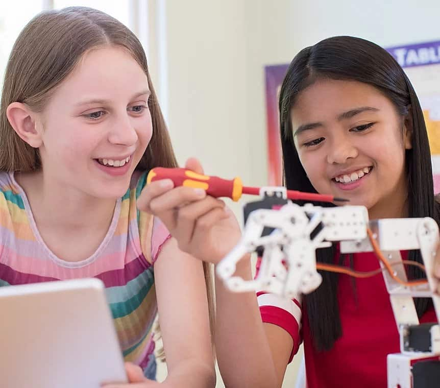 Build Your Own STEAM Camp: Girls in STEM (Gr. 5-8)